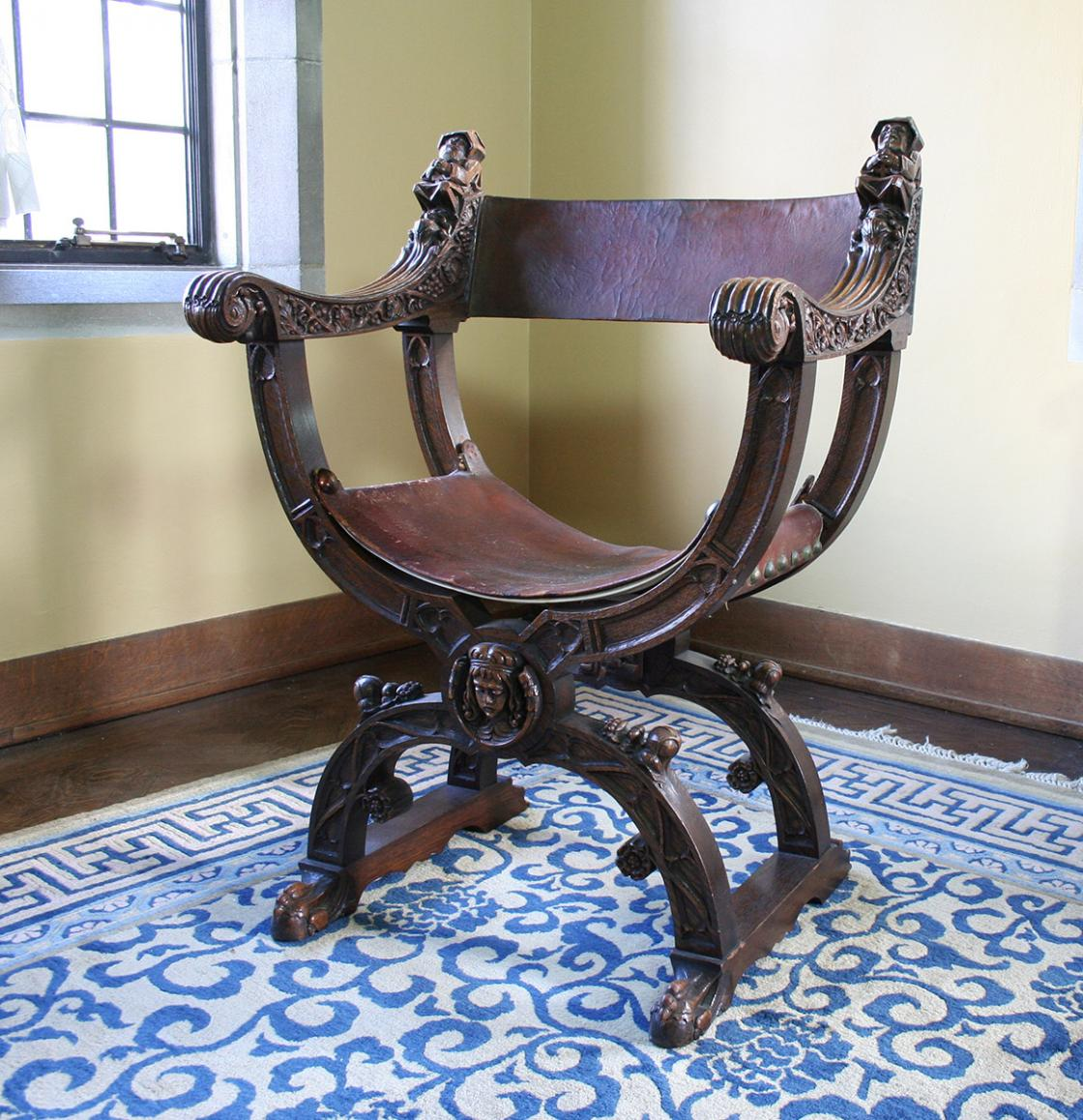 """Savonarola"" chair"